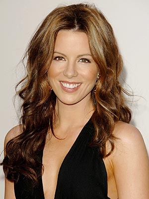kate beckinsale hair 2009. Maybe it#39;s her long hair…maybe