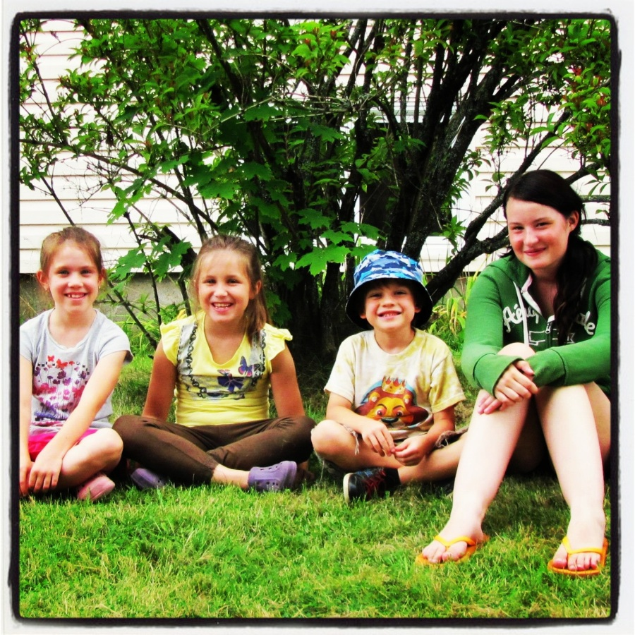 08-20-12 -- This was the last pic taken of The Brood before Rugrat left to go back to Ontario. Love this pic.