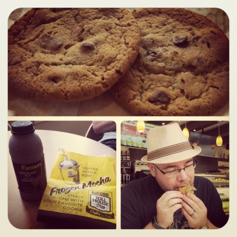 As we were making our way back towards the city center, I had to make a stop. I had never been to a Nestle's Toll House before, so today was going to be that day! I had 2 chocolate chip cookies and some chocolate milk and let me tell you something...it totally reminded me of my mom. THAT GOOD.