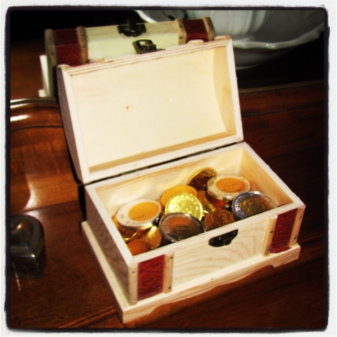 You can't have a pirate-themed treasure hunt without a treasure chest filled with coins, right???