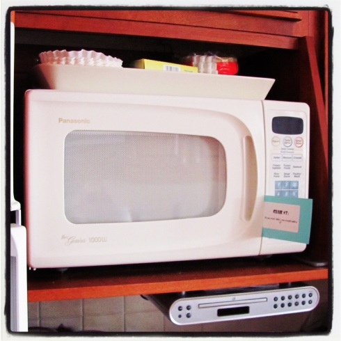The answer was the microwave, which he found after looking inside the oven. This clue was one he picked up right away...a table!