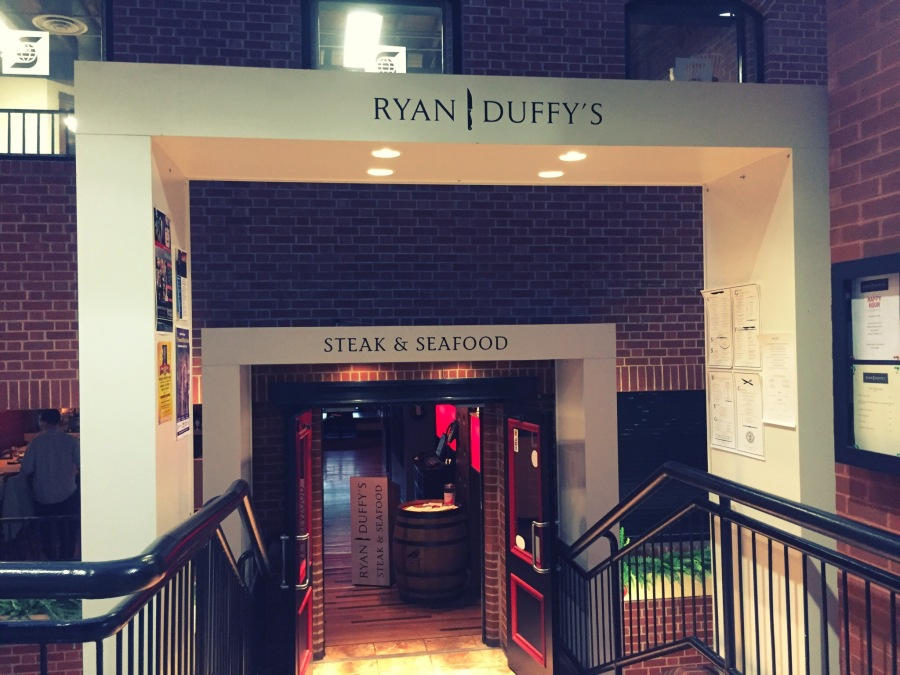 I had heard very good things about Ryan Duffys, which is a surf-n-turf restaurant located in Market Square. I was famished and it had already been a long week, so I was very much looking forward to a great meal.